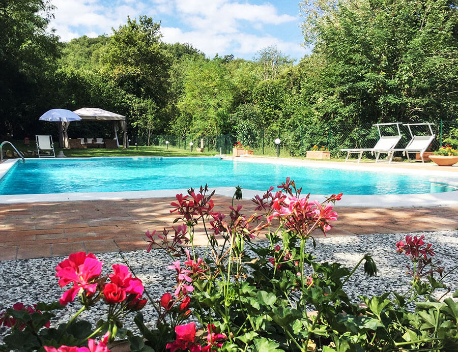 Bed and breakfast in Toscana con ampia piscina, area gazebo e solarium